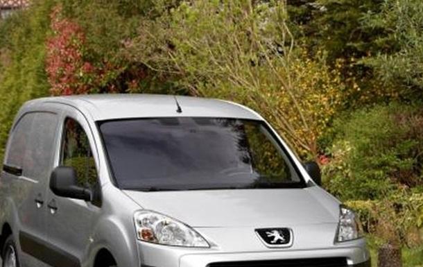 В Луганской области задержали автомобиль с арсеналом оружия