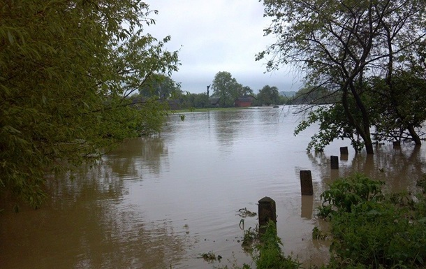 Более 750 человек эвакуировали во Львовской области из-за подтопления