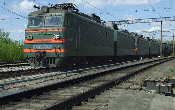 Движение грузовых поездов остановлено из-за захвата Донецкой железной дороги