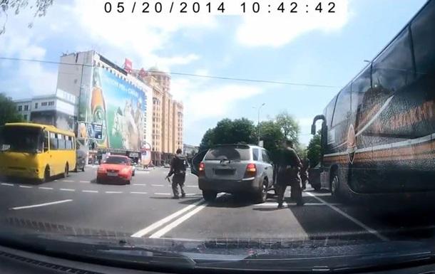 В Донецке напали на автобус Шахтера