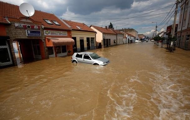 В Сербии объявили трехдневный траур по погибшим из-за наводнения