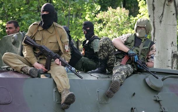 Вооруженные люди на блокпосту в Донецкой области угнали автомобиль со взрывчаткой