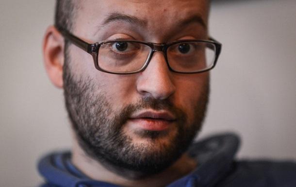 Российского журналиста Илью Азара пустили в Украину