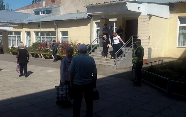 В Николаеве ряд участков проверяют по факту минирования, избирателей эвакуируют