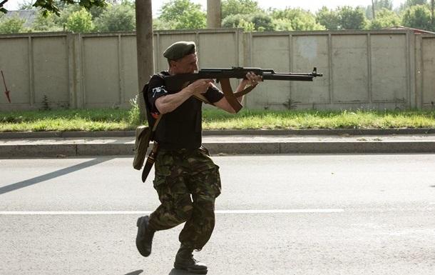 К украинской границе направляется еще одна колонна с вооруженными людьми – СМИ