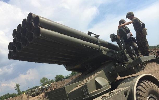 На Донбассе сосредоточилась тяжелая военная техника - журналист