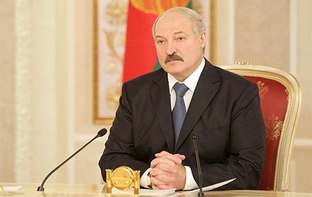 Лукашенко поздравил Порошенко с победой на выборах президента