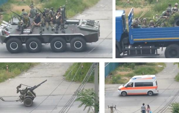 По центру Донецка проехала военная техника с представителями ДНР – очевидцы