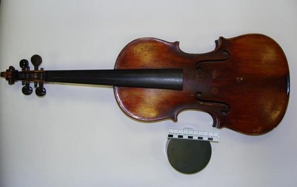 У российских домушников нашли скрипку с подписью Страдивари