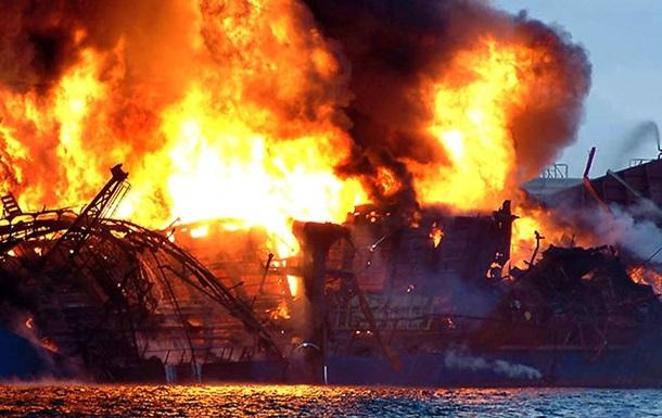 На танкере около Японии прогремели два взрыва: капитан пропал без вести