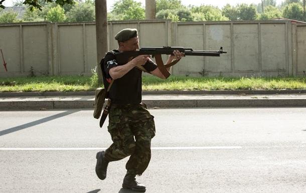 Во время боя в Александровске взорвался склад с оружием - МВД