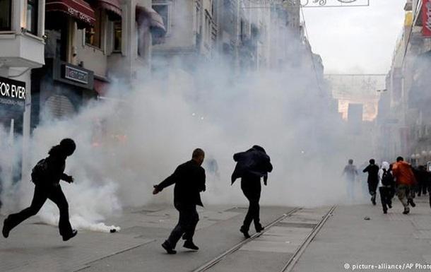 Полиция в Стамбуле разогнала демонстрантов