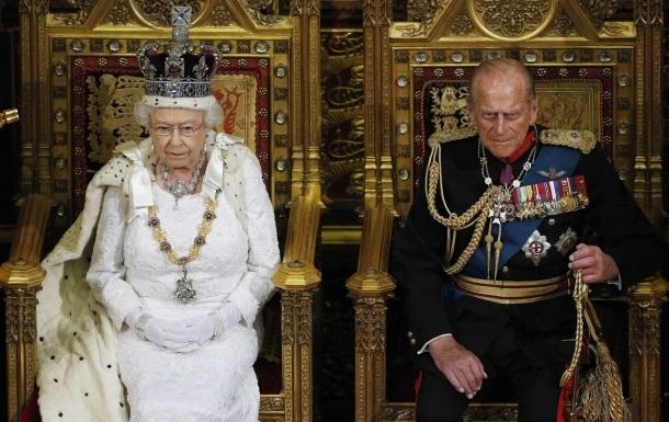 Елизавета II пообещала помочь стабилизировать отношения Украины и России