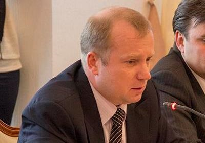 Люстрированный чиновник Януковича продолжает гадить Украине