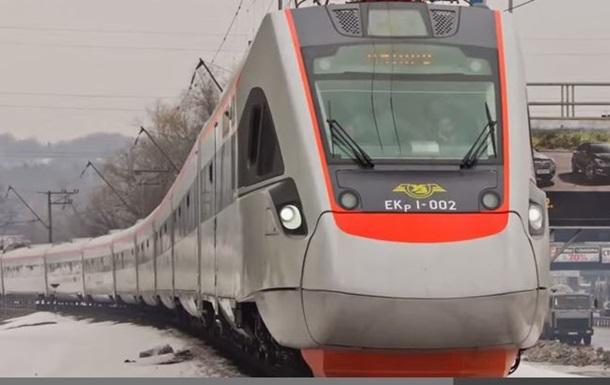 В Україні виходять на маршрути аналоги Hyundai, складені ще до Євро-2012