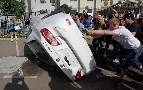 Чуркин пообещал поднять вопрос погрома российского посольства в Киеве на уровне Совбеза ООН