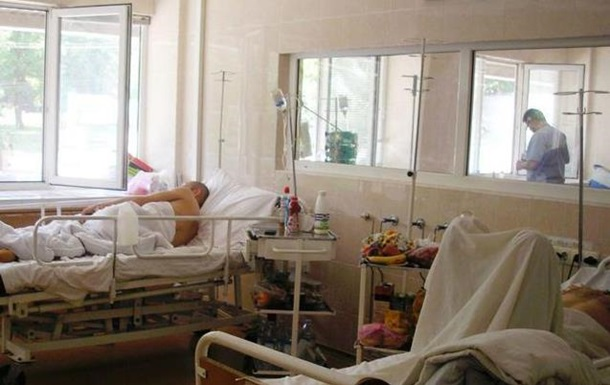 В больницы Луганска поступают раненые, среди которых полковник МВД