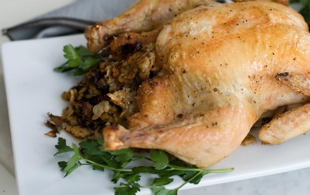 Британские эксперты настоятельно рекомендуют не мыть курятину перед готовкой