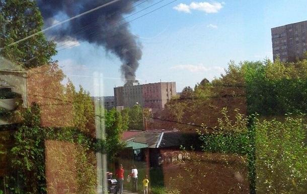 Во Львове горит бывший завод Кока-Колы