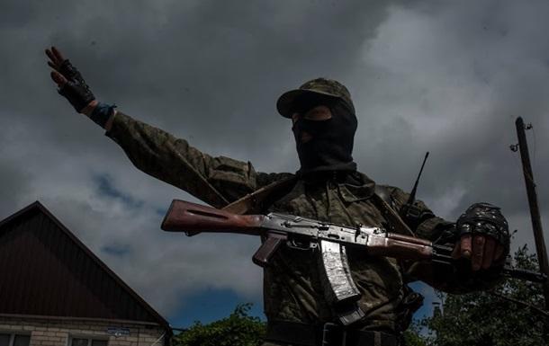 Вооруженные люди взяли в заложники жителей села под Луганском - СМИ