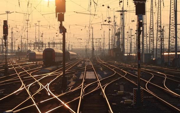 В Донецкой области подорвали железнодорожные пути