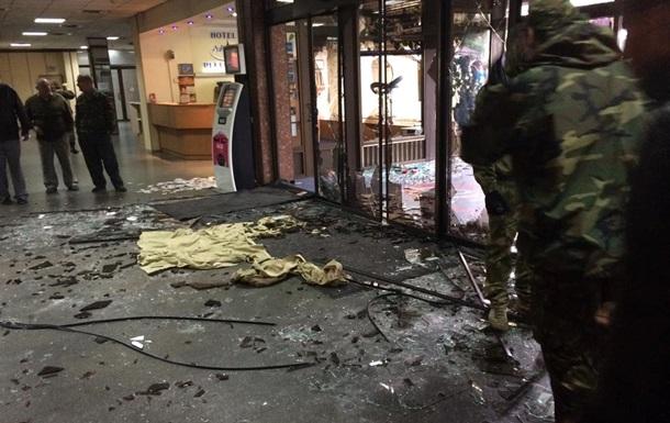 В Киеве активисты Майдана штурмовали отель Турист