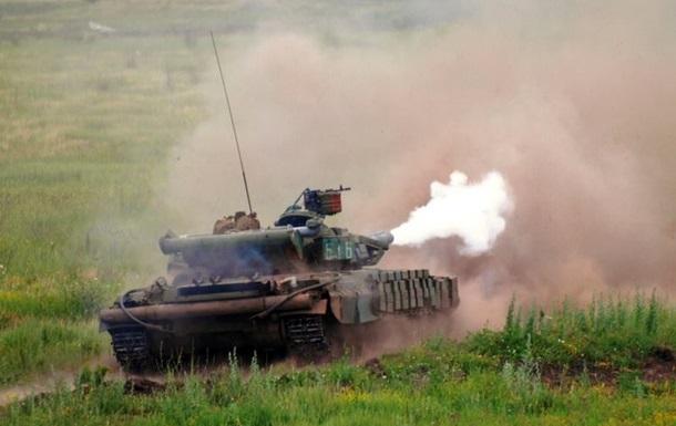 Тренировки военных на танках Т-64: фоторепортаж