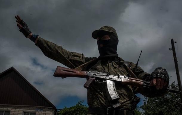 В сети появилось видео обстрела колонны АТО под Славянском
