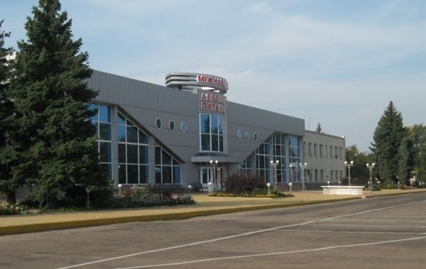 Луганский аэропорт ночью обстреляли из Града - СМИ