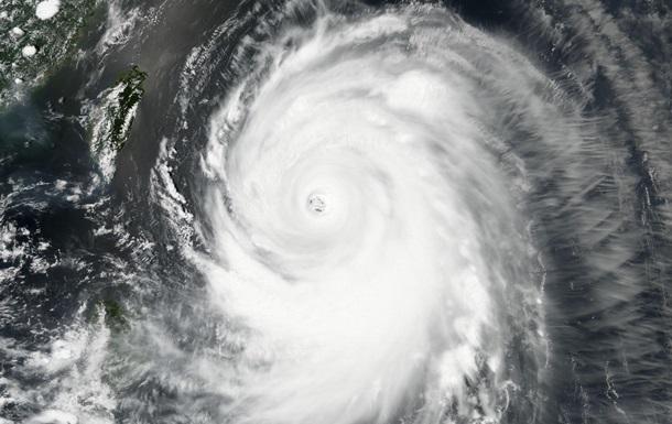 На юге Японии прошел мощный тайфун: есть пострадавшие