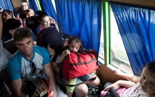 Беженцам из Славянска не рекомендуют возвращаться домой до августа
