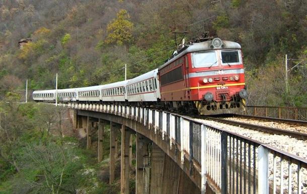 В Болгарии поезд сошел с рельсов