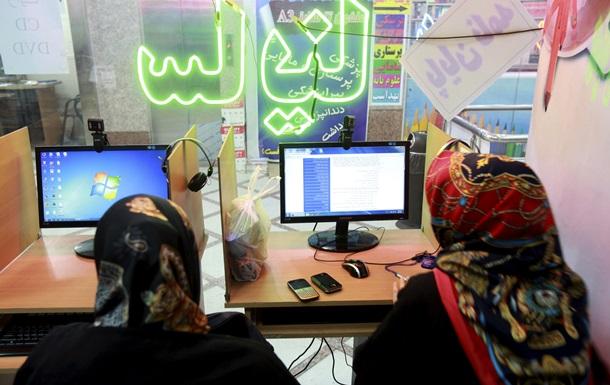 Восьмерых иранцев приговорили в общем к 127 годам тюрьмы за публикации в Facebook