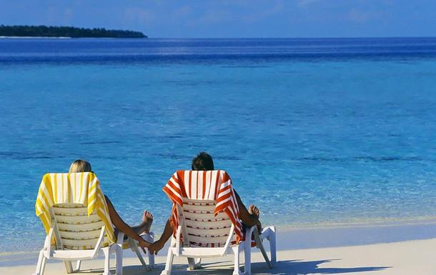 Более половины офисных работников сократят расходы на отпуск