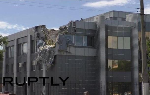 Луганск в  шрамах  от обстрелов: репортаж