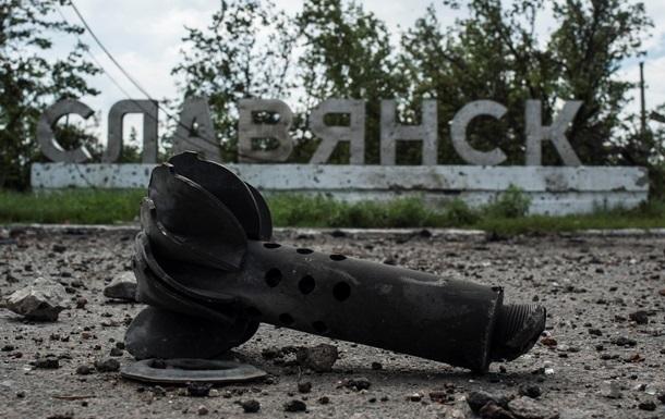 СНБО: В Славянске найдены захоронения c телами сотен боевиков