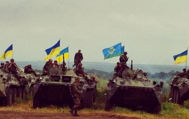 Военные разблокировали луганский аэропорт и вошли в донецкий