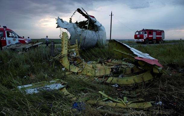 С места крушения Боинга начали вывозить тела пассажиров - СМИ