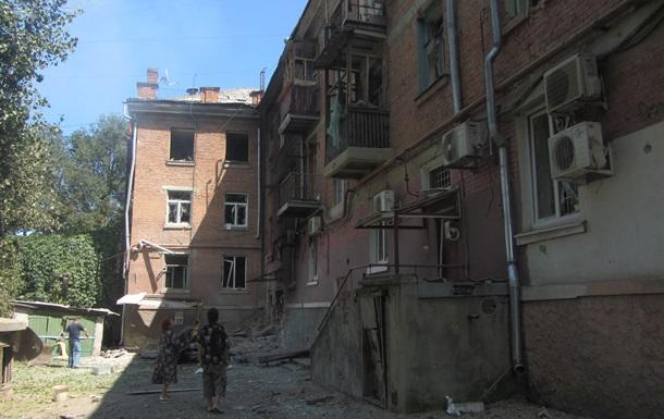 С самого утра идет обстрел всего Луганска -  Минобороны  ЛНР