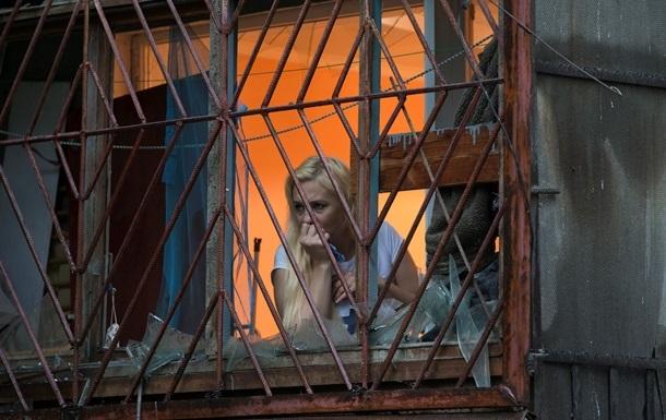 В Луганске десять домов попали под обстрел