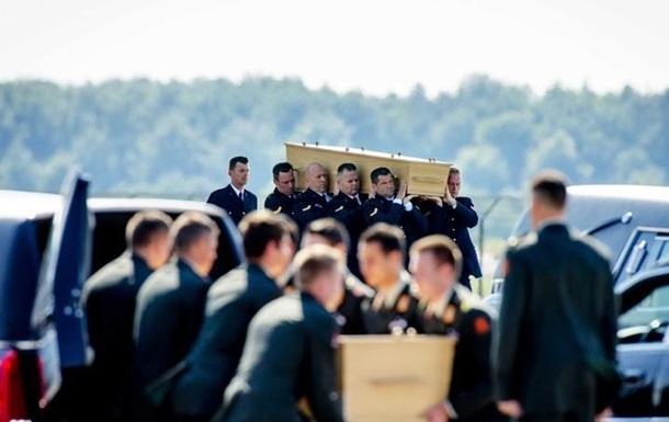 Из Харькова в Нидерланды доставили тела 40 жертв катастрофы Боинга-777