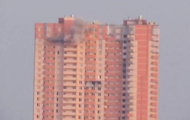 В Луганске обстреляли 25-этажный жилой дом