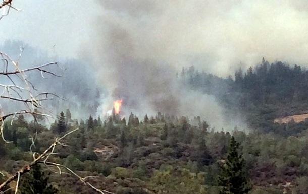 Лесные пожары в Калифорнии привели к объявлению чрезвычайной ситуации