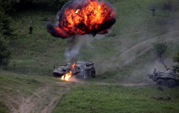 НАТО: Россия может вторгнуться в Украину под предлогом гуманитарной операции