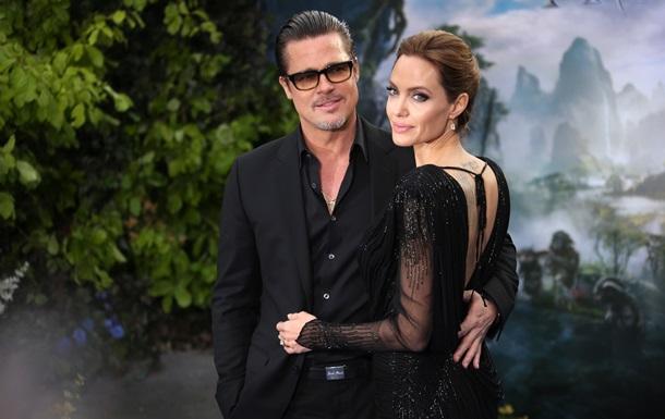 Анджеліна Джолі спростувала чутки про весілля з Бредом Піттом