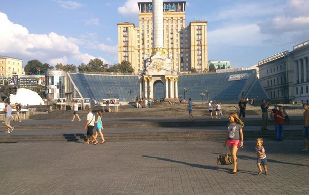 На Майдане активисты добровольно демонтировали последние палатки
