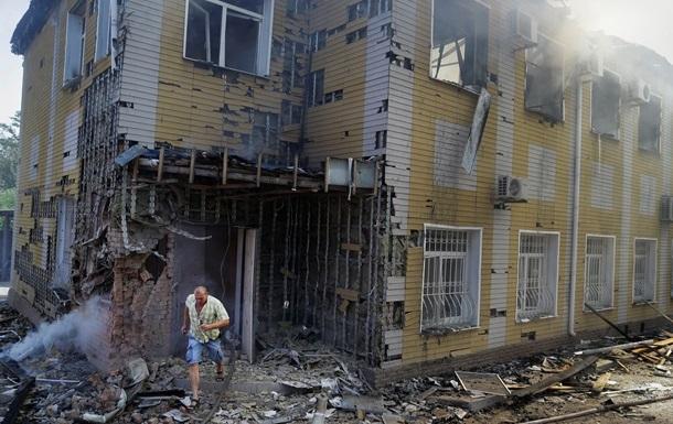 За время обстрелов в Донецке без стекол остались 90 домов