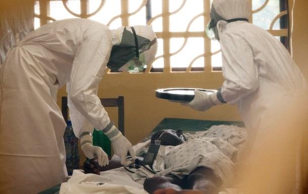 Украинцам не рекомендуют посещать Африку из-за вируса Эбола