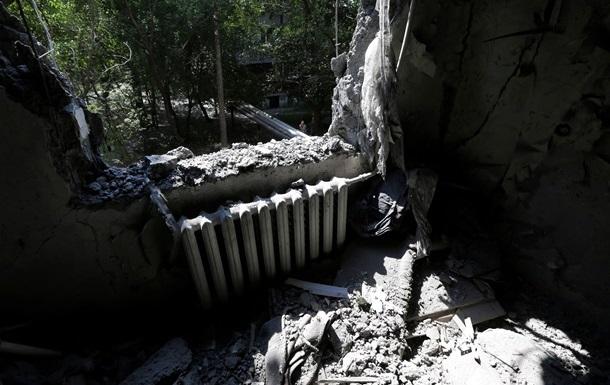 За сутки в результате боев в Донецке погибли 10 мирных жителей