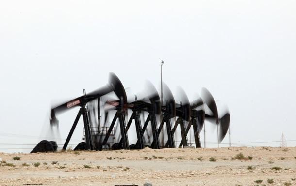 Цена нефти Brent упала до минимума за 14 месяцев